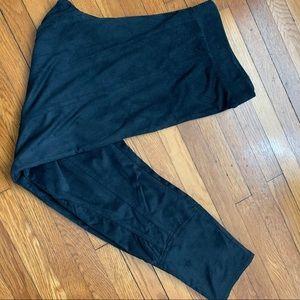NWOT Soft Surroundings Black leggings Sz PS